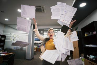 Evite dores de cabeça: Descarte de documentos vencidos de forma segura