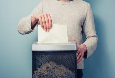 Depois de digitalizar, posso me desfazer dos documentos físicos para sempre?