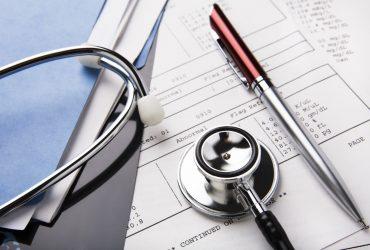 A importância da guarda de documentos em clínicas e hospitais