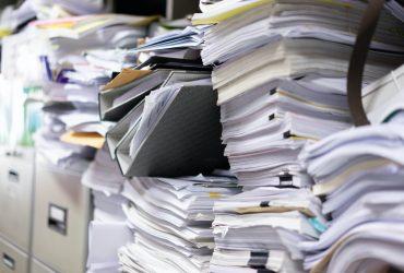 Quais os riscos de não realizar a guarda de documentos corretamente?